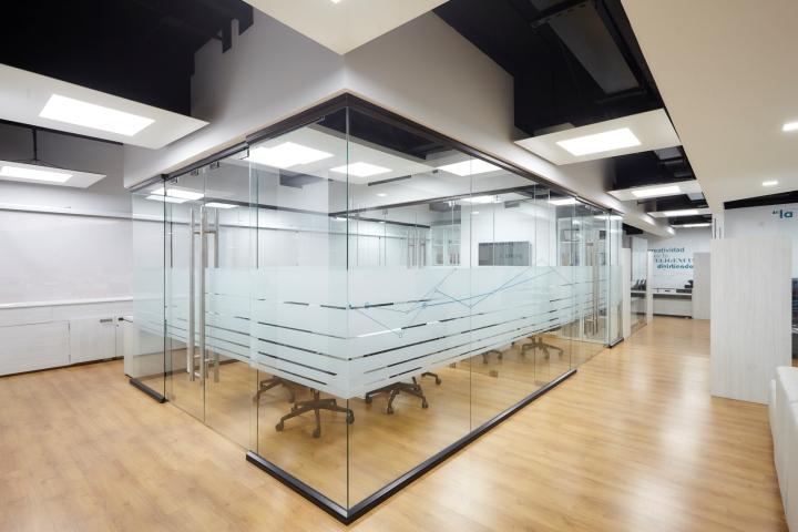 Thi công nội thất văn phòng công ty Mtbase-2