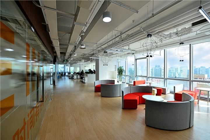 Thiết kế thi công nội thất văn phòng công ty HQ Việt Nam-6