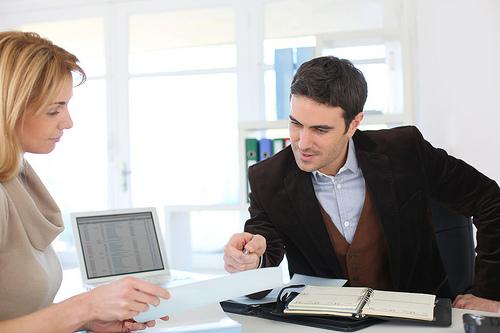 Lý do bạn nên chọn công ty thiết kế thi công nội thất văn phòng uy tín