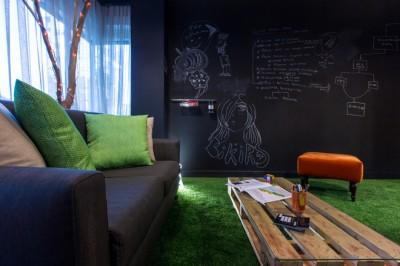 Thiết kế nội thất văn phòng với gam màu xanh ấn tượng