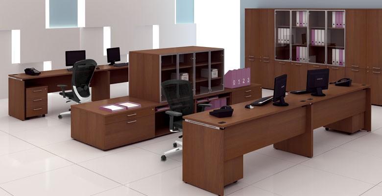 Thiết kế phòng làm việc nhân viên với nội thất gỗ tự nhiên