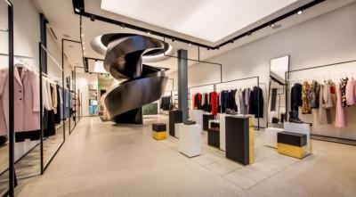 Thiết kế showroom cửa hàng quần áo thời trang ấn tượng