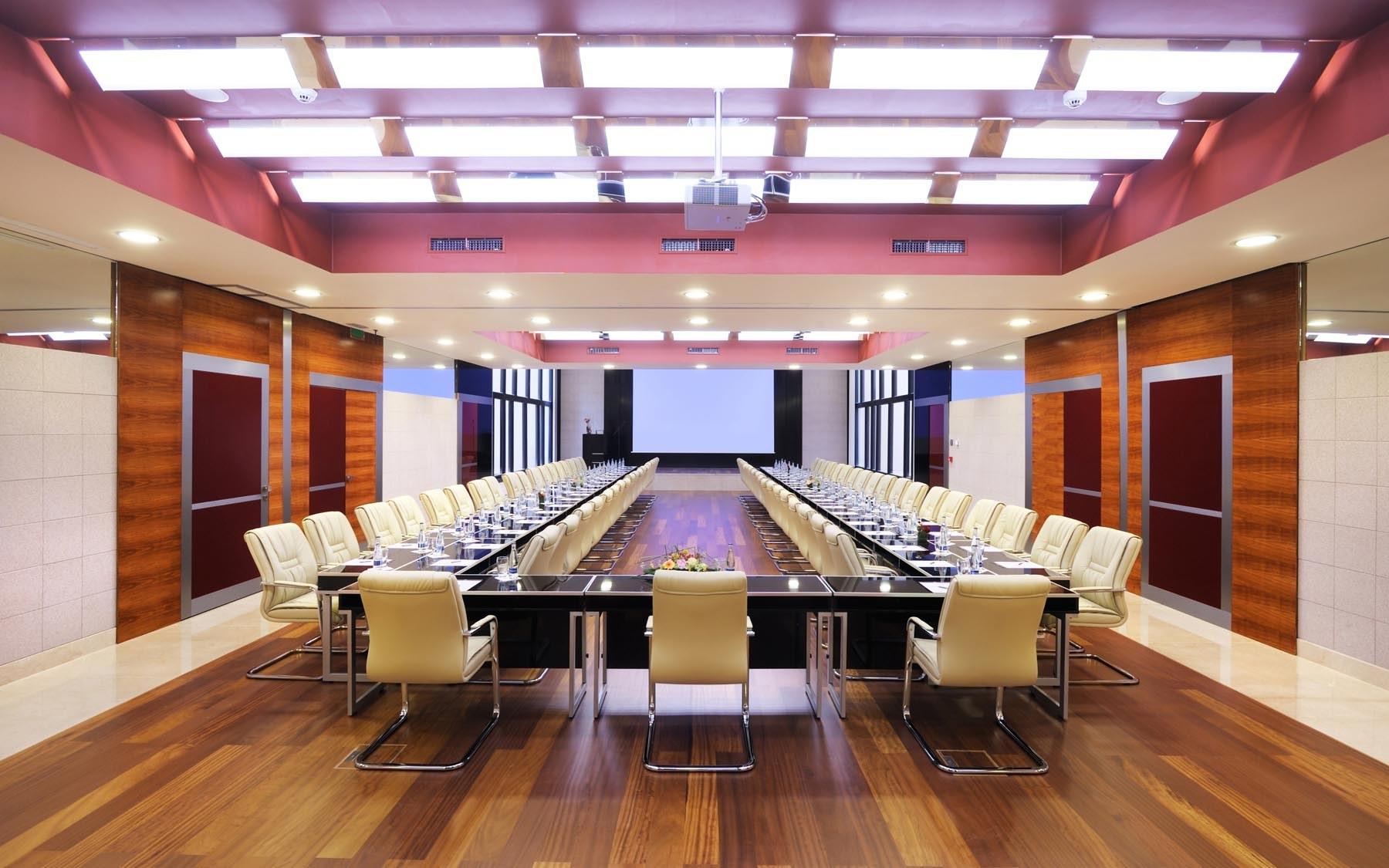Thiết kế thi công nội thất phòng họp trọn gói