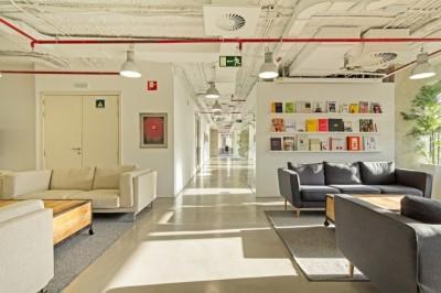 Thi công nội thất văn phòng công ty Madrid