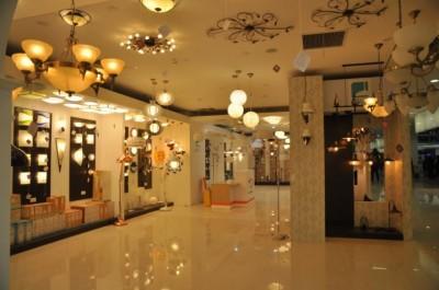 Thiết kế showroom đèn trang trí đẹp
