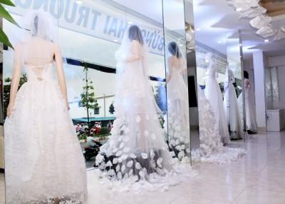 Tư vấn thiết kế nhà ở kết hợp làm showroom áo cưới