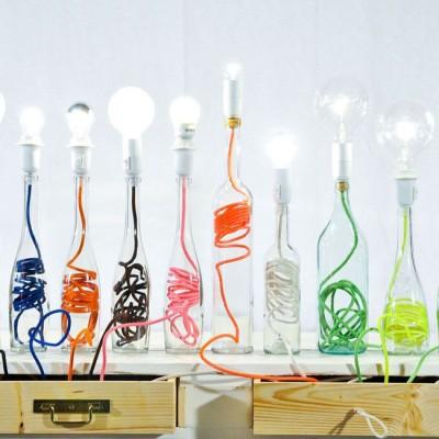 Tận dụng chai thủy tinh cũ để làm đèn trang trí nội thất văn phòng đẹp lung linh