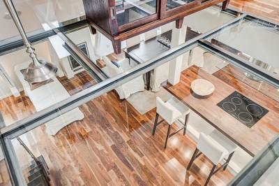 Sàn kính, giải pháp thiết kế văn phòng hiện đại được ưa chuộng năm 2017