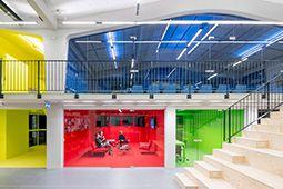 Cận cảnh văn phòng đa màu sắc lấy cảm hứng từ thiết kế nhà ở