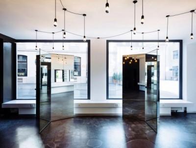 Ấn tượng với khung gương nghệ thuật ở thiết kế salon tóc Zurich