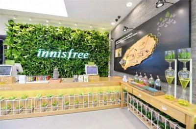 Thiết kế showroom mỹ phẩm thiên nhiên đẹp