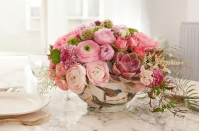 Trang trí nội thất showroom với ý tưởng cắm hoa bắt mắt