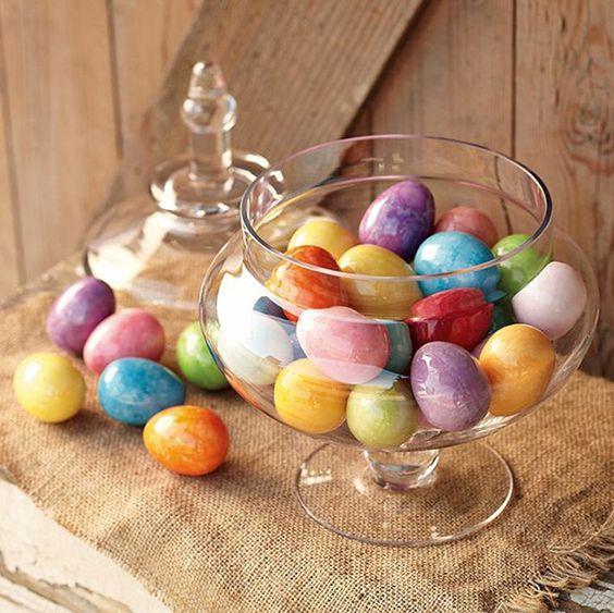 Cách trang trí showroom đẹp, độc bằng vỏ trứng