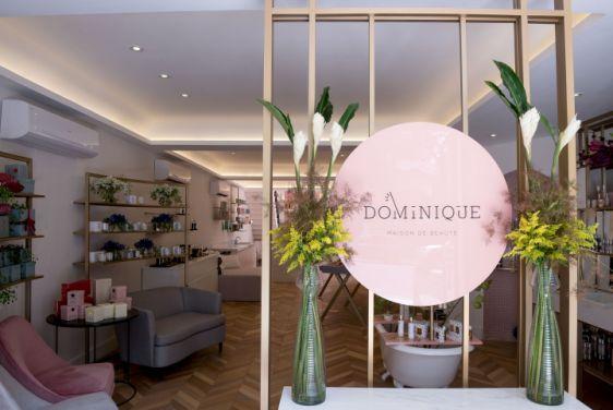 Thiết kế showroom mỹ phẩm đẹp nhờ sắc hồng quyến rũ